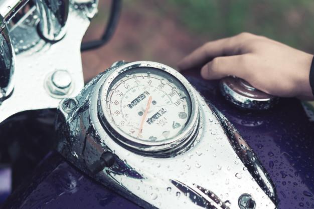 É importante secar a moto após a lavagem para evitar curtos